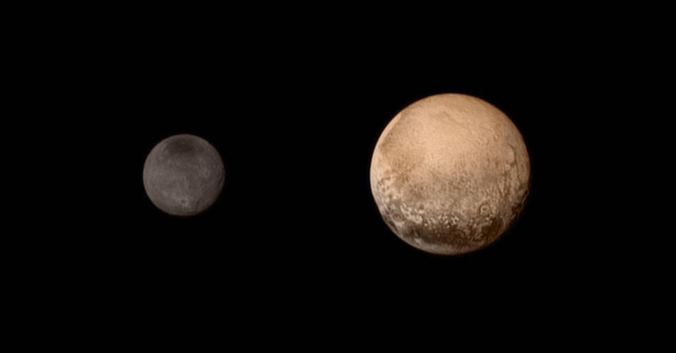 Pluto a Cháron na reálnych fotografiách (foto: NASA)