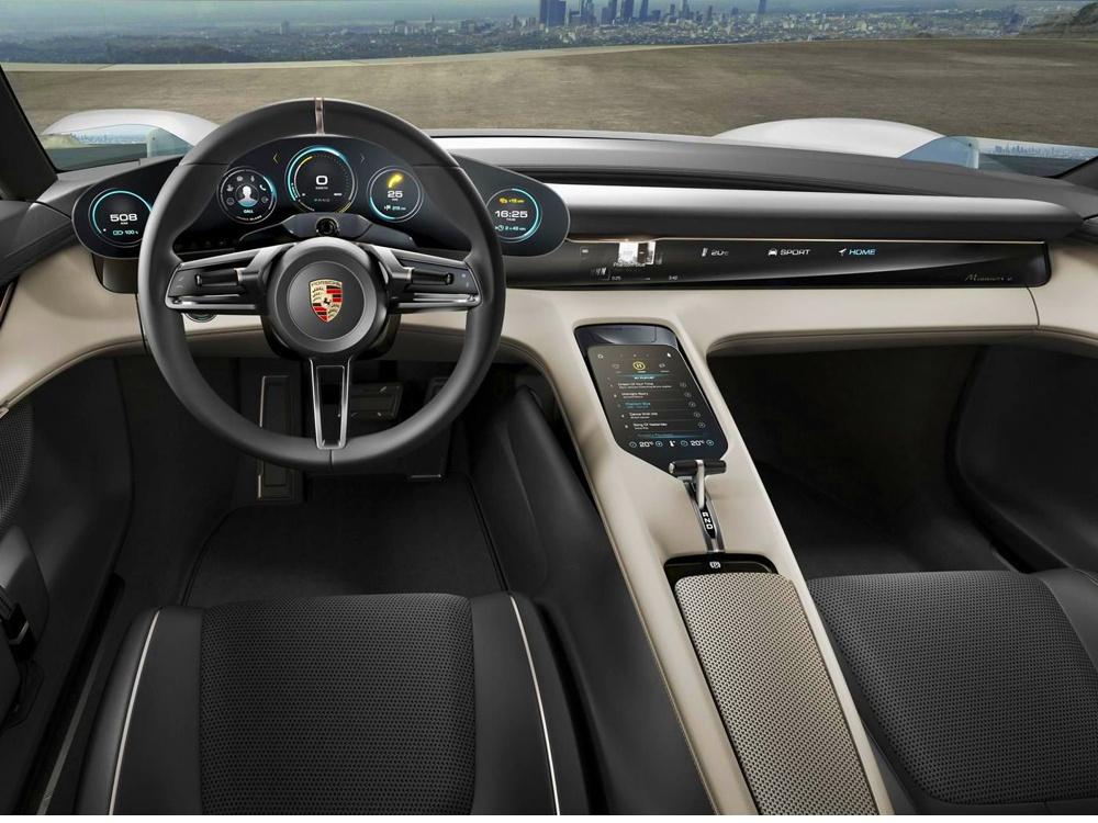 Porsche Mission E, koncept 2015, interiér (foto: Porsche)