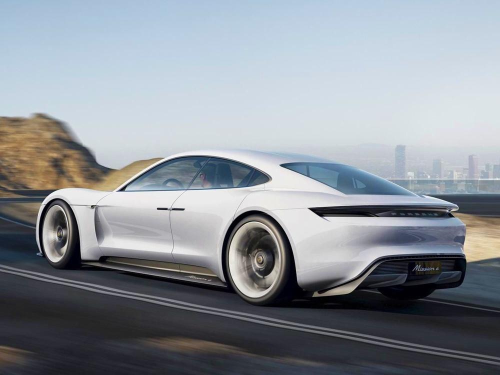 Porsche Mission E, koncept 2015 (foto: Porsche)