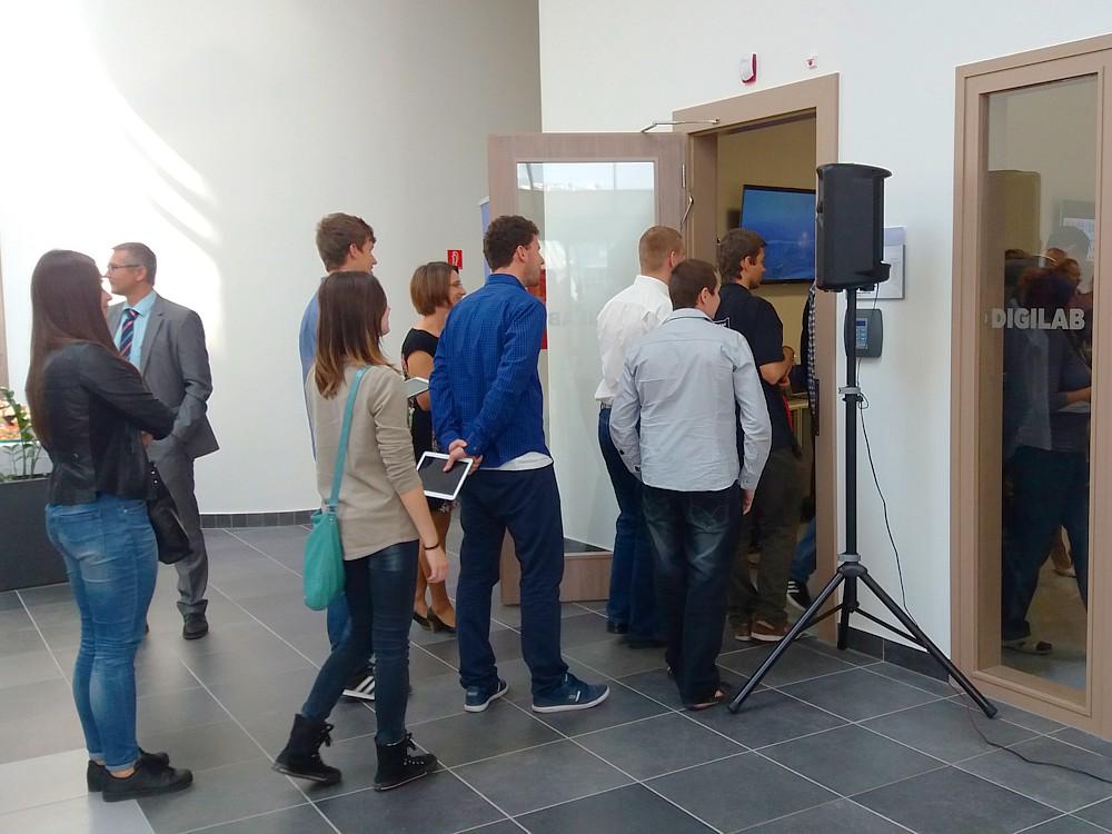 STU Samsung DIGILAB v FIIT Bratislava. (foto: 3Digital.sk)