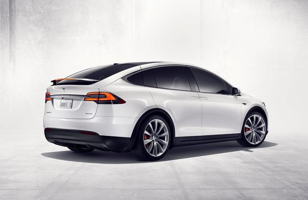 Tesla Model X - ecomoto.sk (1)
