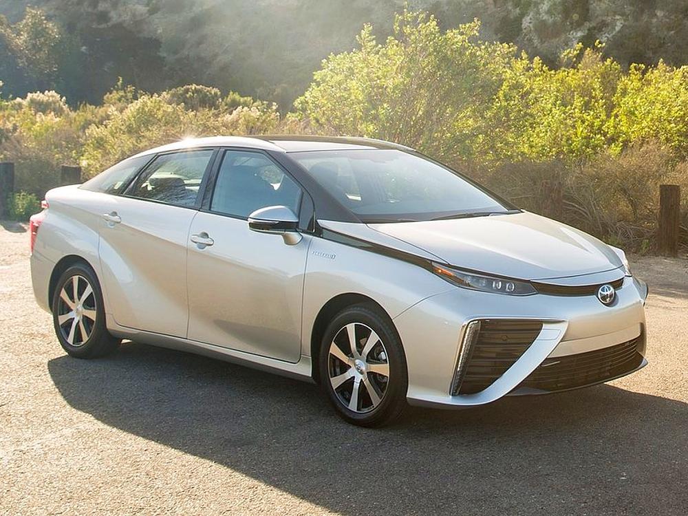 Toyota Mirai na vodík - ecomoto.sk (3)