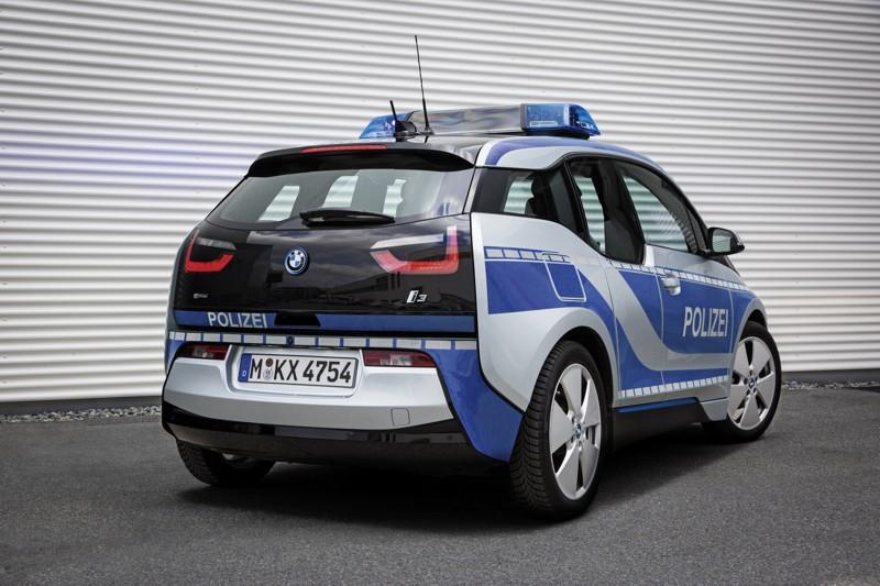 BMW i3 zasahove vozidlo (1)