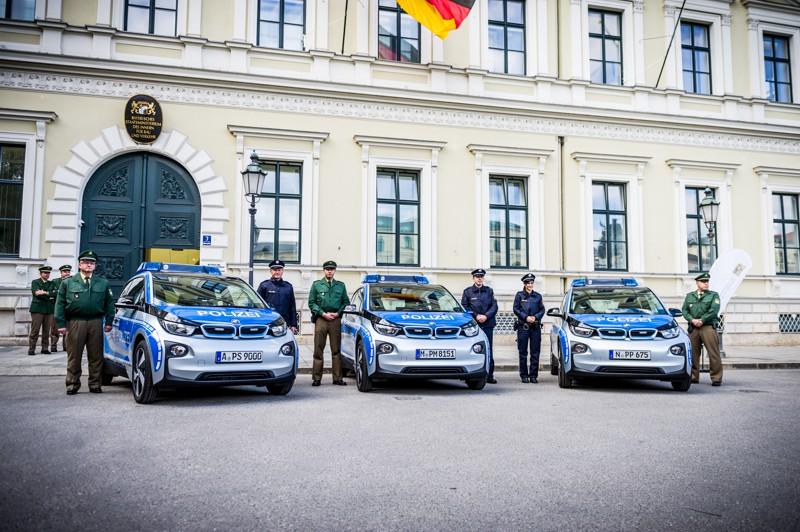 BMW i3 zasahove vozidlo (2)