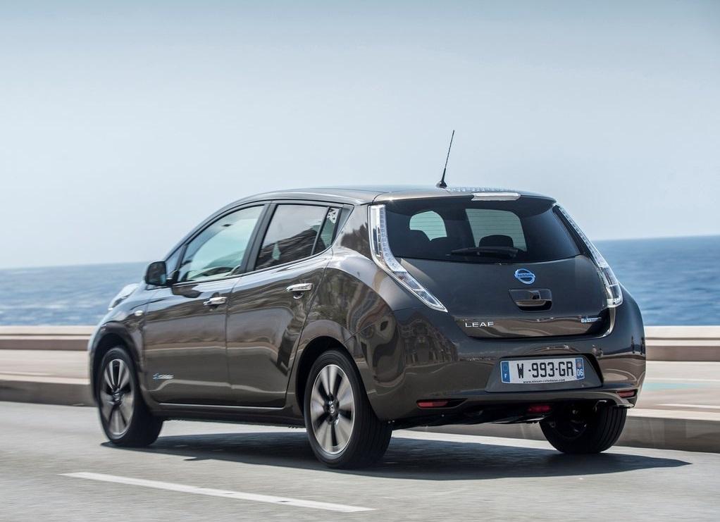 Nissan_Leaf_30kWh_2016_ecomoto.sk (1)