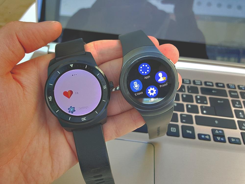 Menu s aplikáciami. Vľavo LG G Watch, vpravo Samsung Gear S2 Urban (Foto: Erik Stríž)