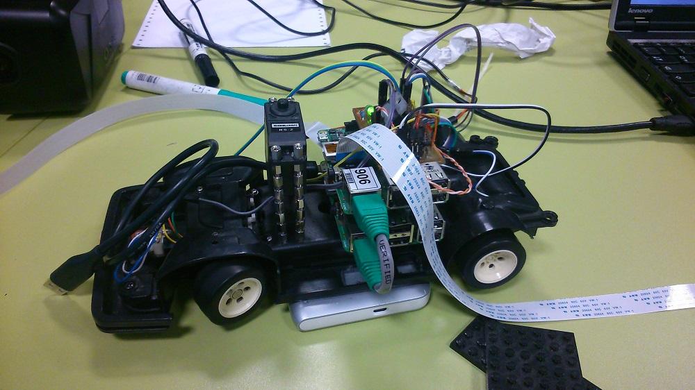 Kostra vozidla DriVR bez kamer.