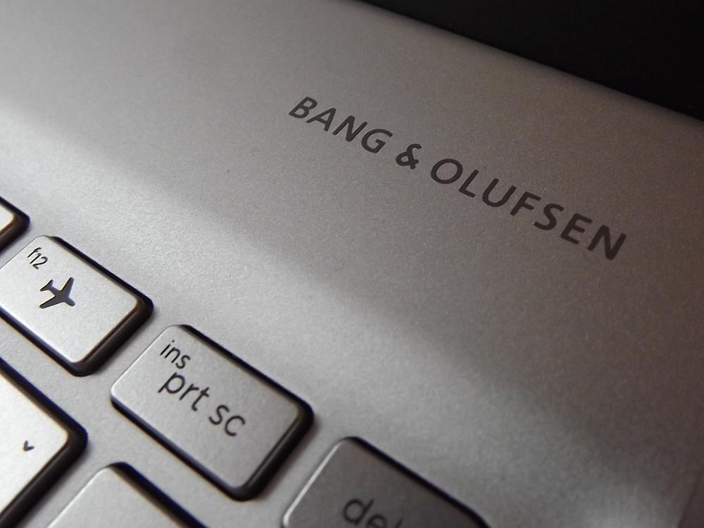 HP Envy 13 ponúka zvuk so značkou Bang & Olufsen. Pravda je taká, že samotné reproduktory nie sú od tejto značky, majú iba jej certifikáciu. Notebook má dobrý zvuk, ale ešte má malé rezervy.