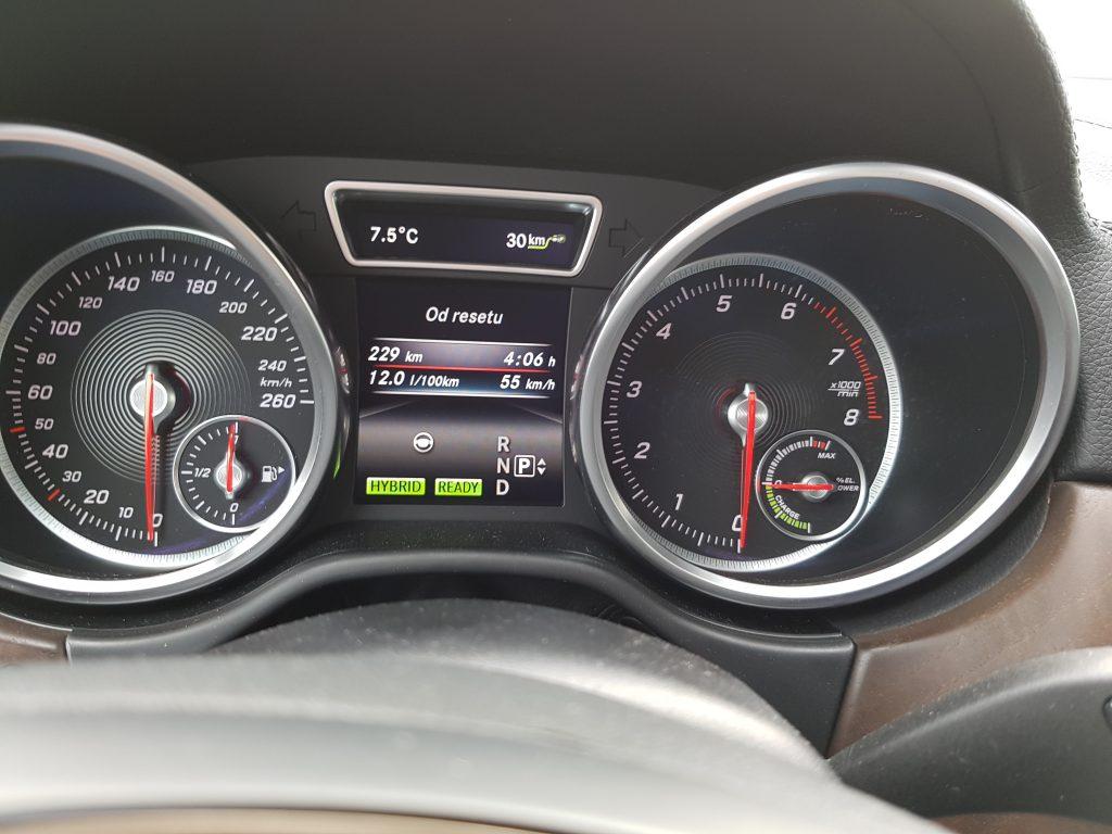 Jedna z nameraných priemerných spotrieb | Mercedes Benz GLE 500e 4MATIC| TEST, RECENZIA, ECOMOTO.SK