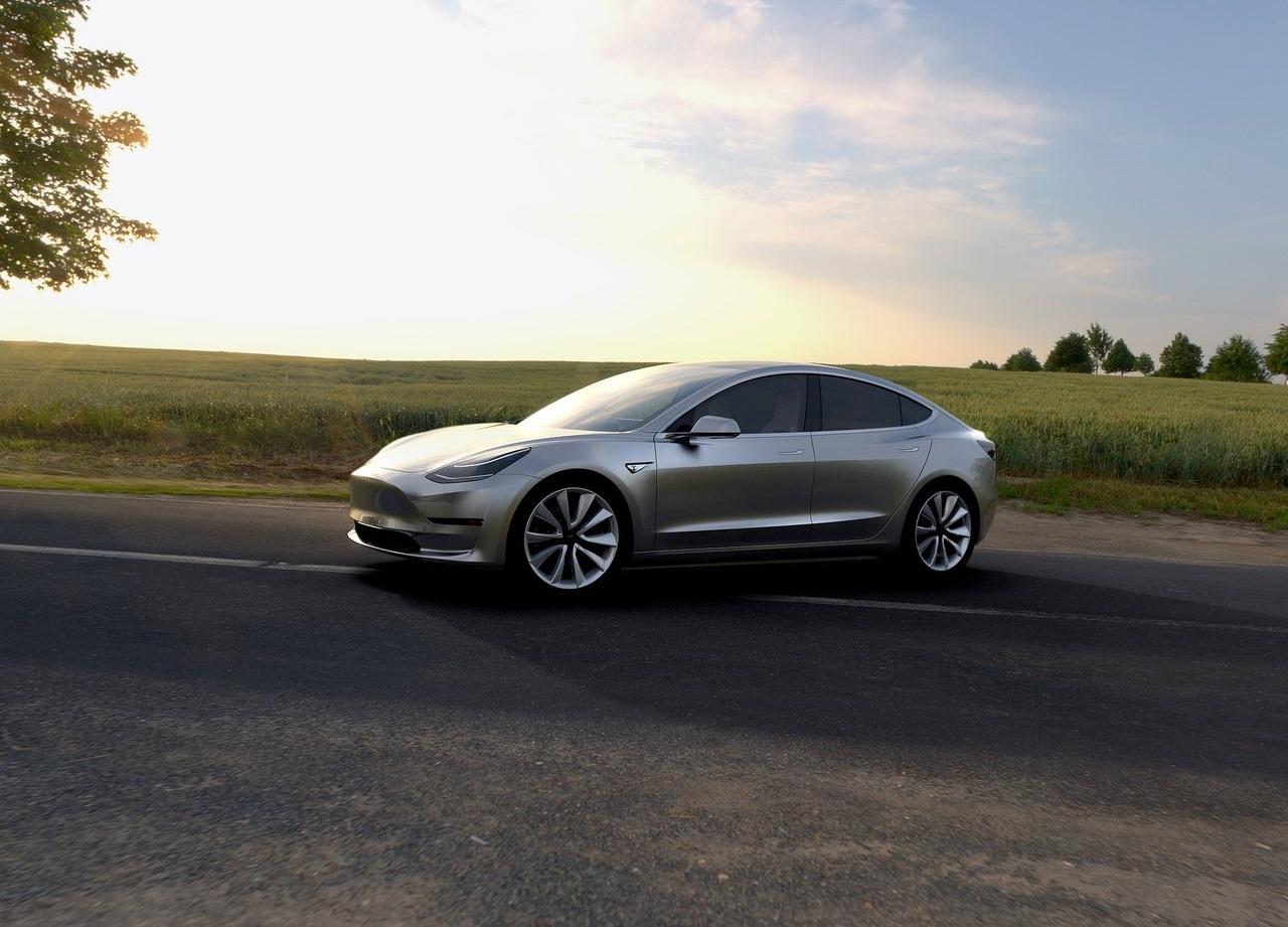 Tesla Model 3, ročník 2018