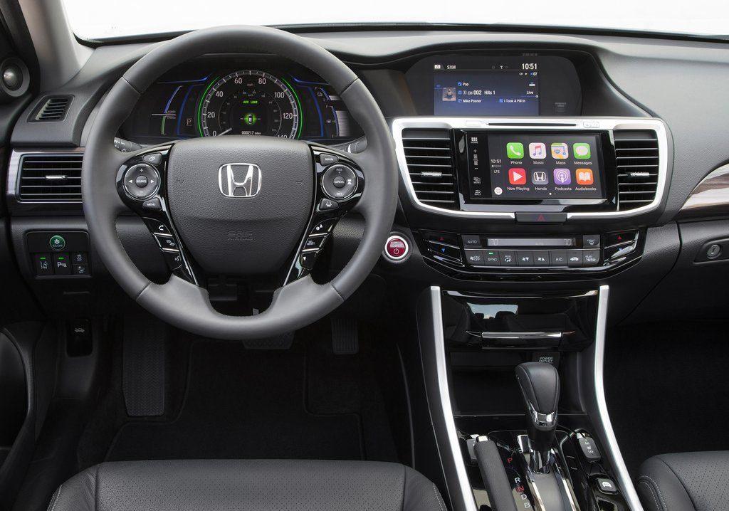 Honda Accord Hybrid (2017)