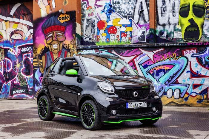 Jediný elektromobil-kabriolet je práve od Smartu (foto: Daimler)