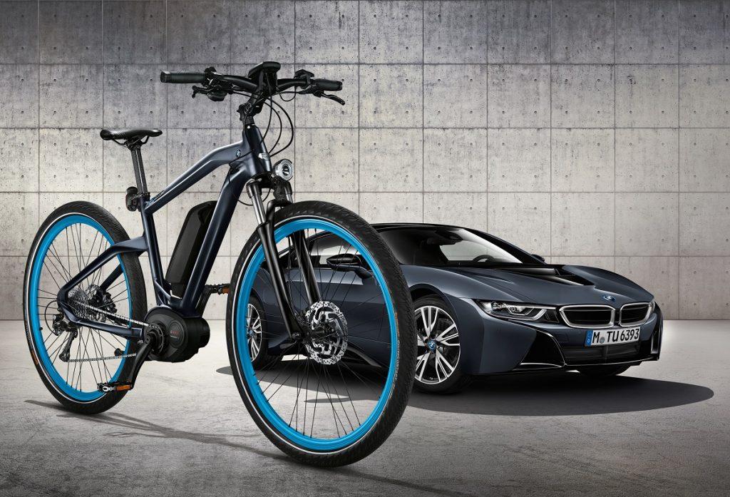 BMW Cruise e-Bike Protonic Dark Silver a BMW i8